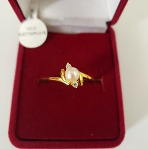 Jewelry - SETA Gold plated Pearl Women's Ring size 8